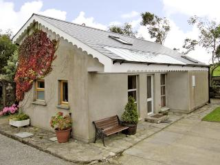 SEASIDE COTTAGE, family friendly, with a garden in Duncannon, County Wexford, Ref 2909 - Bridgetown vacation rentals