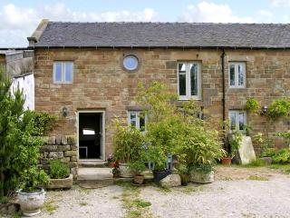 SPOUT BARN, pet friendly, luxury holiday cottage, with a garden in Shottle, Ref 2574 - Shottle vacation rentals