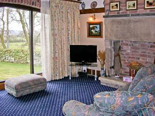 STUBBEN BARN, family friendly, country holiday cottage, with a garden in Handley, Ref 2989 - Handley vacation rentals