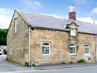THE FORGE, country holiday cottage in Powburn Near Alnwick, Ref 2557 - Powburn Near Alnwick vacation rentals