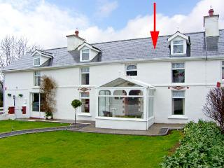 THE FARMHOUSE, family friendly, character holiday cottage, with a garden in Dunmanway, County Cork, Ref 2866 - Dunmanway vacation rentals