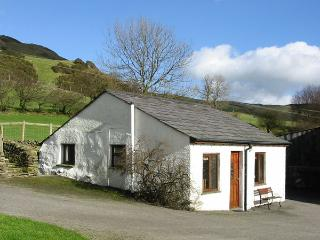 GHYLL BANK BUNGALOW, pet friendly, country holiday cottage, in Staveley, Ref 2027 - Staveley vacation rentals