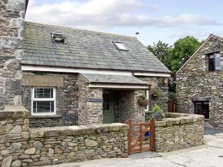 THIMBLE COTTAGE, romantic, luxury holiday cottage, with open fire in Pennington Near Ulverston, Ref 2965 - Hampshire vacation rentals