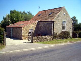 THE OLD CHAPEL, character holiday cottage, with a garden in Fadmoor, Ref 2363 - Pickering vacation rentals