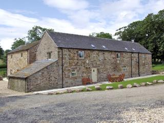 THE RINDLE, family friendly, character holiday cottage, with a garden in Meerbrook, Ref 3563 - Meerbrook vacation rentals
