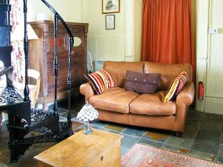 THE TICKET OFFICE, pet friendly, character holiday cottage, with a garden in Ruswarp Near Whitby, Ref 1125 - Ruswarp vacation rentals