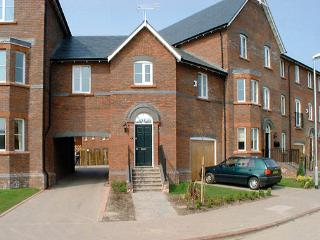 TOWER VIEW, pet friendly, country holiday cottage in Chester, Ref 881 - Chester vacation rentals