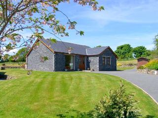BWTHYN CLYD, family friendly, country holiday cottage, with a garden in Llanddaniel Fab, Ref 2251 - Llanddaniel Fab vacation rentals