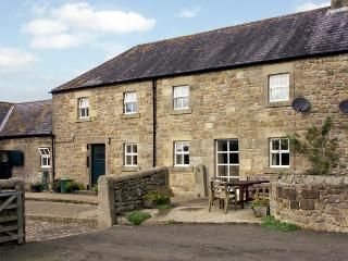 THE STABLES, pet friendly, country holiday cottage, with a garden in Bellingham, Ref 1530 - Haltwhistle vacation rentals