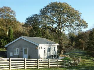 Y BWTHYN, family friendly, country holiday cottage, with a garden in Bont Newydd, Ref 1472 - Llanaber vacation rentals