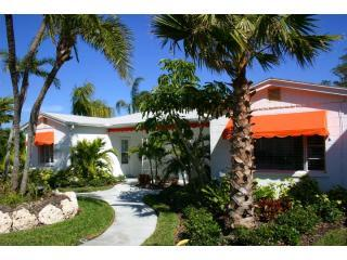 Cottage Clearwater Bch, Heated Pool, 2/2 Tangerine Dream - Clearwater vacation rentals