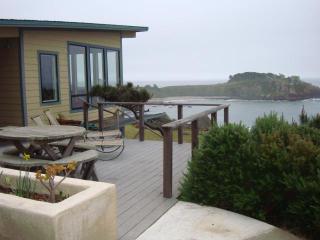 Dramatic, romantic oceanfront 2 bedrm/2 bath home - Gualala vacation rentals