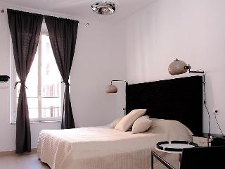 11 bedroom B&B with Internet Access in Rome - Rome vacation rentals