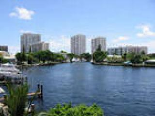 Cozy House in Pompano Beach with Waterfront, sleeps 8 - Pompano Beach vacation rentals