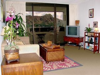 Waikiki Sunset 2BR - DIRECT Diamond Head View! - Honolulu vacation rentals