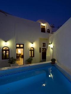 Lovely Villa with Deck and Internet Access - Imerovigli vacation rentals