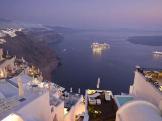 VILLA SANTORINI - LUXURY  IN PREMIUM LOCATION - Santorini vacation rentals
