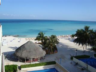 Upscale oceanfront condo on beautiful Isla Mujeres - Isla Mujeres vacation rentals