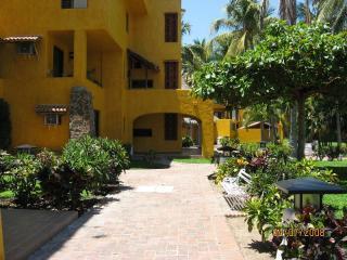 Villas De Menorca - Club Santiago Penthouse View Condo - Manzanillo - rentals