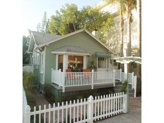Beach Bunny Cottage 2-blocks to the Beach. Super Walkability!  Walk-Score 88! - Beach Bunny Cottage- Romantic Santa Barbara, Calif - Santa Barbara - rentals