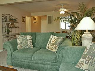 Lovely Oceanside Condo on Harbor Island! Wifi! - Harbor Island vacation rentals