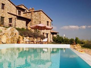 I Casali di Colle San Paolo-Apt Il Raggio, 2-bedr. - Piegaro vacation rentals
