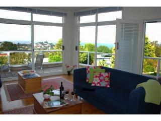 Lovely 3 bedroom Kiama House with A/C - Kiama vacation rentals