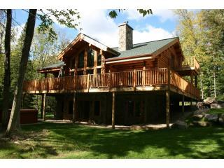 Beautiful & Luxurious 5 Bedroom Family Log Home - Amos vacation rentals