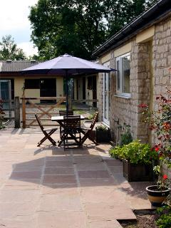 BECKHILL COTTAGE, pet friendly, country holiday cottage, with hot tub in Brandsby, Ref 2503 - Brandsby vacation rentals