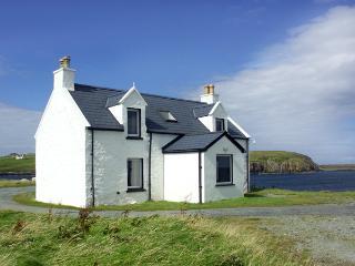 2 AND 3 BALMAQUEIN, pet friendly in Balmaquein, Isle Of Skye, Ref 1279 - Balmaquein vacation rentals