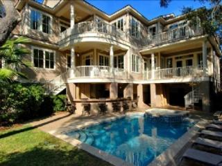 Steps to Beach, Private Pool/Spa and Pool Bar, 5 Minute Walk to Coligny - Hilton Head vacation rentals