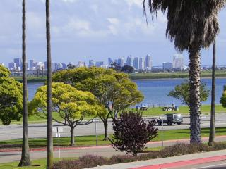 Bay Front Luxury with Bay and City Skyline Views - Pacific Beach vacation rentals