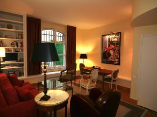 Luxury 1 Bedroom in Marais at Rue Vieille du Temple - Paris vacation rentals