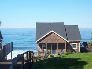 The Diamond K~ Ocean Front - Depoe Bay vacation rentals