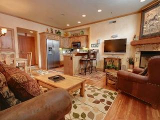 LIFT LODGE 203: Ski-in Ski-out! - Park City vacation rentals