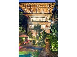 Casa Vista Azul-As seen on HGTV Tropical Mansion - Manuel Antonio National Park vacation rentals