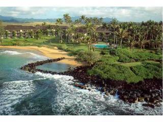 Aereal View of the Lae Nani complex - 2Bed Wailua Bay Beachfront Condo in Kauai Hawaii - Kapaa - rentals