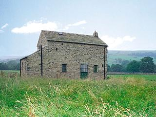 SHEPHERD'S COTTAGE, pet friendly, character holiday cottage, with a garden in Holwick Near Middleton-In-Teesdale, Ref 609 - Middleton in Teesdale vacation rentals