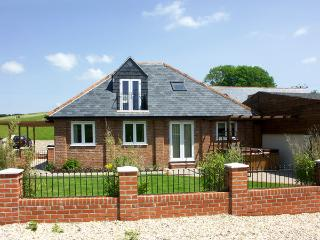 THE COACH HOUSE, family friendly, character holiday cottage, with a garden in - Charminster vacation rentals