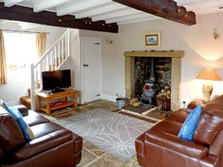 THE OLD COBBLERS, family friendly, character holiday cottage, with a garden in Burnsall, Ref 2062 - Burnsall vacation rentals