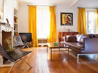 Charming Luxury Apt. in the 6th, Steps to it All! - Ile-de-France (Paris Region) vacation rentals
