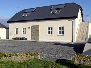 CLAIR HOUSE 1, pet friendly, country holiday cottage, with a garden in Lahinch, County Clare, Ref 3684 - Lahinch vacation rentals