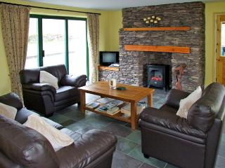 TEACH INCHEESE, pet friendly, country holiday cottage, with a garden in Waterville, County Kerry, Ref 3708 - Waterville vacation rentals