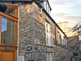 WOOD COTTAGE, romantic, country holiday cottage in Kendal, Ref 3640 - Kendal vacation rentals