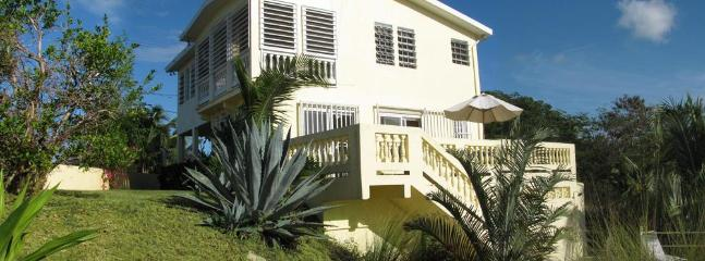 3 bedroom, 3 bathroom with lots of entertaining space - Cacimar House  for 6 - Privacy, Pool, Great Views - Vieques - rentals