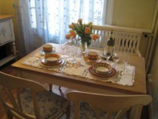 Dining Room - Romantic Montmartre One Bedroom - Paris - rentals