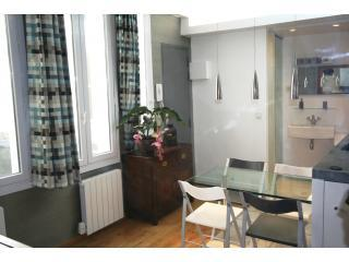 Modern Loft in Marais at Beauborg Paris - Paris vacation rentals