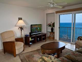 Alii Kai 4203: Gorgeous remodeled interior, oceanfront views, jacuzzi tub! - Princeville vacation rentals