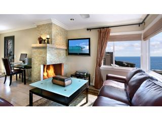Living Room with Ocean View - Cress Point!! Beach Steps In Front Of The House - Laguna Beach - rentals