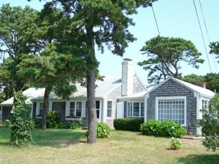 Some views & 5 houses to Old Mill Point beach - Harwich Port vacation rentals